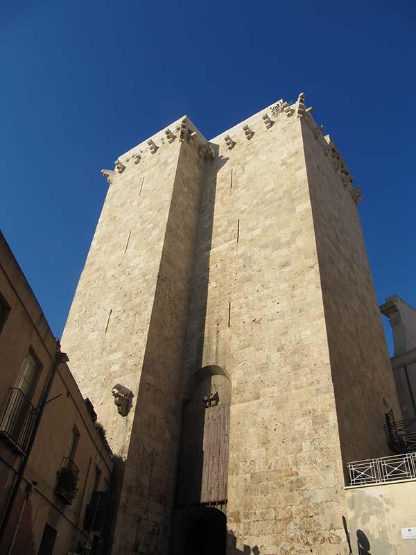 Scopri Cagliari - Tour Quartieri Storici 14
